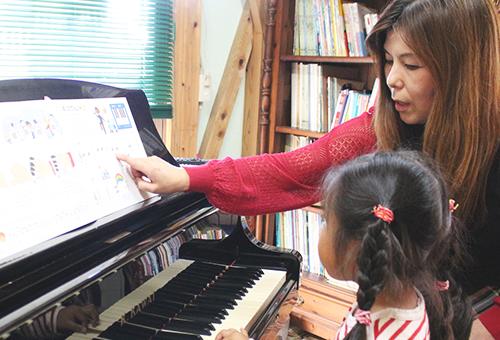 はじめまして、よしまつ音楽教室の吉松るみ子です。